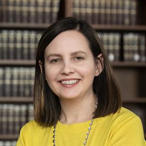 Sarah Narkiewicz Headshot